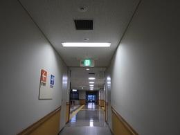 廊下の照明03.JPG