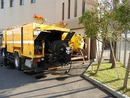 高圧洗浄の作業車.jpg