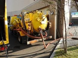 高圧洗浄の作業車 その2.jpg