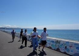 ジョギング風景(海をバックに).JPG
